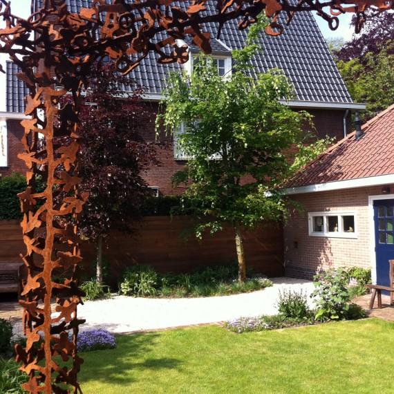 Pergola cortenstaal tuinontwerp stadstuin Eindhoven