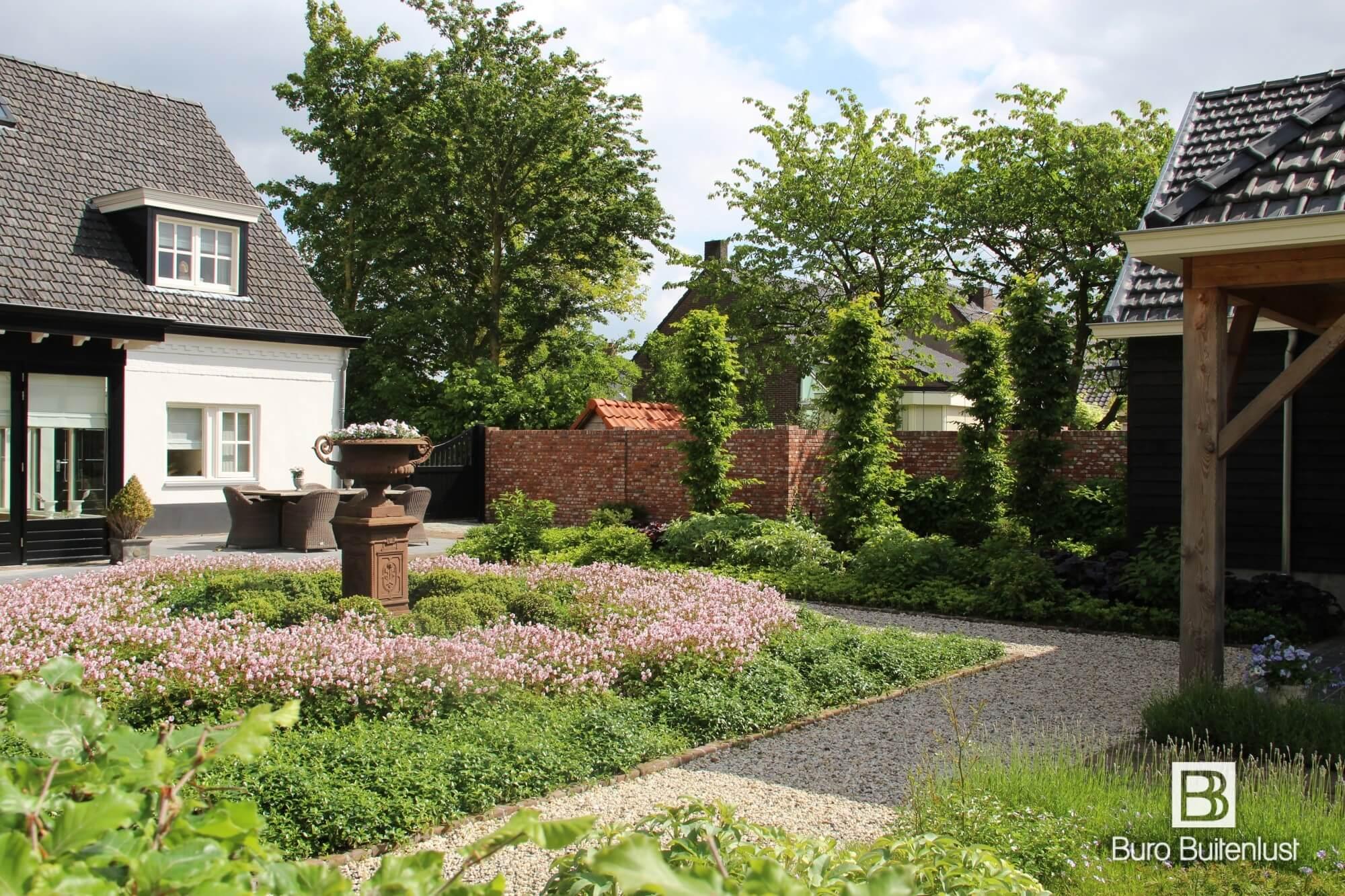 Sfeervolle klassiek landelijke tuin