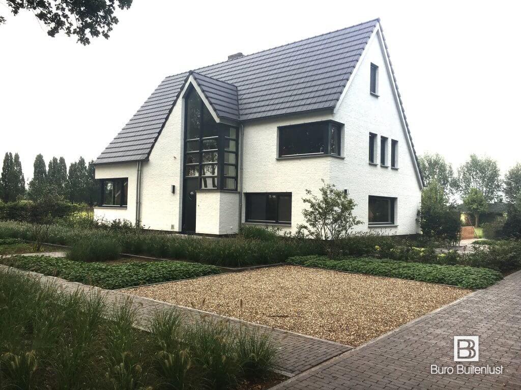 Landelijke tuin bij moderne villa sint oedenrode buro for Modernes buro